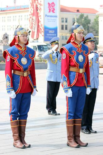 Монгол цэргийн сүрт жагсаал боллоо