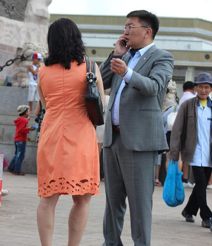 Я.Содбаатар Дээлтэй Монгол наадамд дээлгүй оролцов