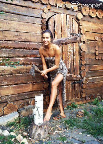 Мод хагалж буй Ирина Шейк