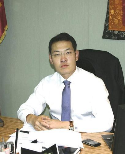 Ерөнхийлөгч асан Н.Энхбаярын хүү Батшугарын хувийн зургаас