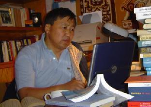 """О.Батсайхан """"Монголын Богдууд"""" сэдвээр лекц уншлаа"""