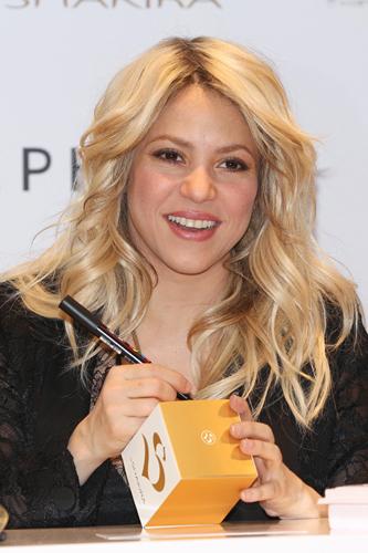 Шакира секси хэвээрээ л байна