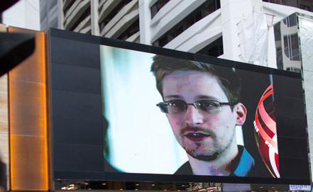 Эквадор улс Э.Сноуденийг эх орондоо ирэхийг зөвшөөрөв