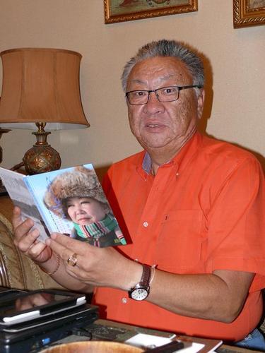 Ж.Баясах: Чи монгол хүн. Монгол бичгээ сурна аа
