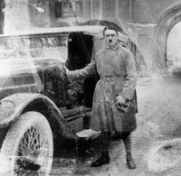А.Гитлерийн зурсан зураг 161 мянган ам.доллар хүрлээ