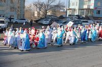 100 өвлийн өвгөнтэй баярын парад боллоо