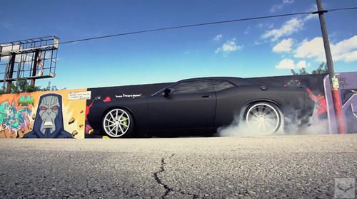 Танилц. Энэ бол Dodge Challenger SRT