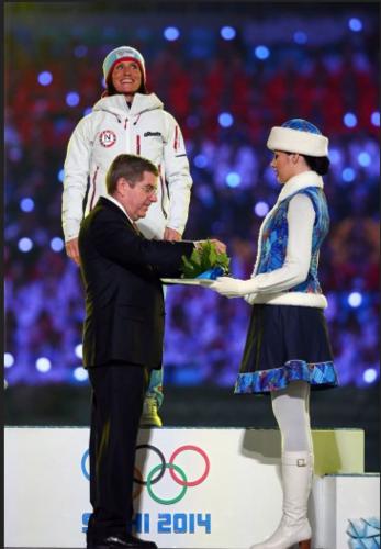 ОХУ, Норвегийн цаначид Олимпийн хаалтын үйл ажиллагааны үеэр медалиа гардлаа