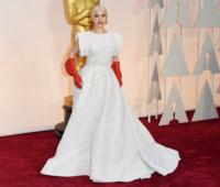 87 дахь удаагийн Оскарын шагнал гардуулах ёслолын улаан хивсний зургуудаас