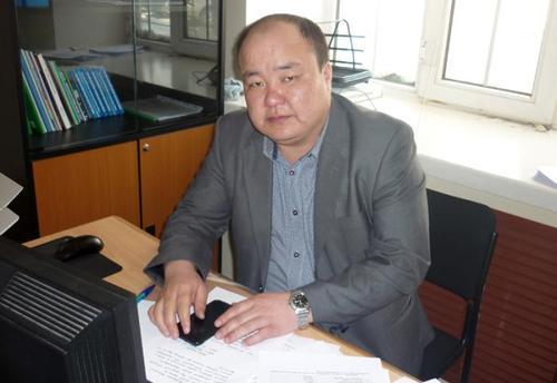 Л.Ганбат:  Монгол хэл, бичгийн шалгалт өгснөөр ЭЕШ-д орох эрх үүснэ
