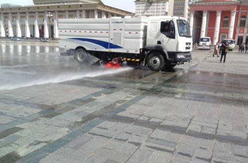 Нийслэлийн авто замыг угааж, бороожуулалтын ажлыг гүйцэтгэж байна