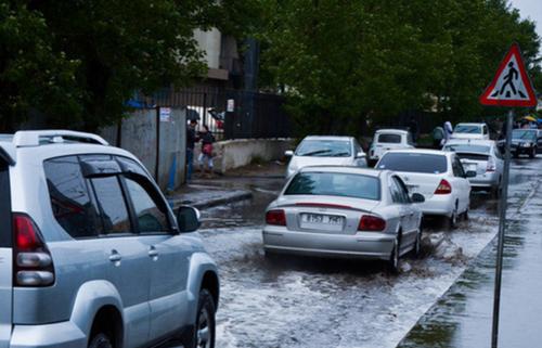 Баянгол дүүрэг дэх орон сууцны хороолол дунд борооны усны инженерийн шугам сүлжээний ажил гүйцэтгэнэ