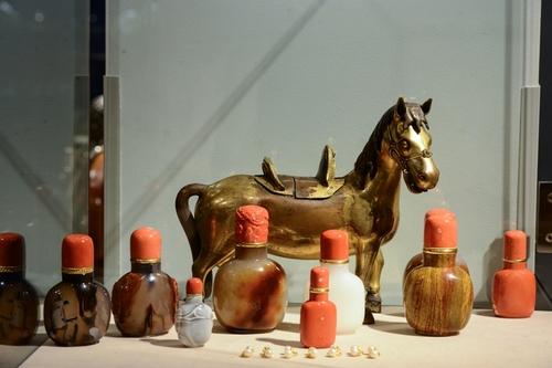 Монголчуудын үнэт эдлэлийн хэрэглээ үзэсгэлэн худалдаа