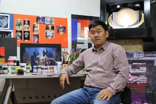 Зураач Т.Ганхуяг бие даасан үзэсгэлэнгээ гаргана