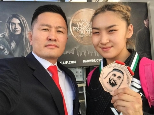 Манай тамирчид жюү жицүгийн дэлхийн аваргаас хоёр мөнгөн медаль хүртэв