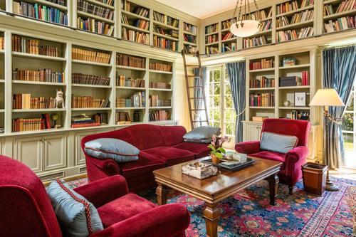 Анжелина Жоли экс нөхрийнхөө гэрийн ойролцоо шинэ байшин худалдаж авав