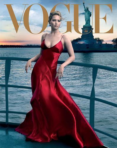 "Женнифер Лоуренс ""Vogue"" сэтгүүлийг чимлээ"