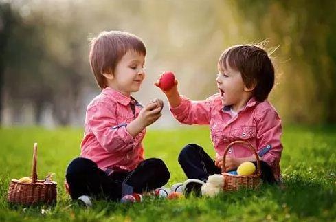 Ирээдүйд хүүхдээ сайхан амьдруулахын тулд зааж өгөх ёстой 7 ур чадвар