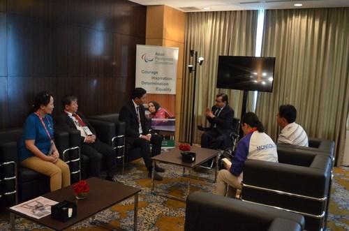 УИХ-ын гишүүд Азийн Паралимпийн хорооны ерөнхийлөгчтэй уулзлаа