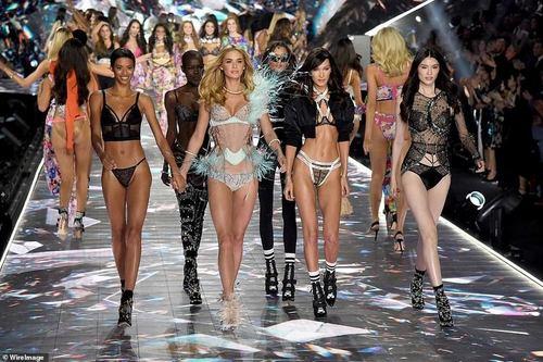 Victoria's Secret: Сахиусан тэнгэрүүд Нью-Йоркт цуглав