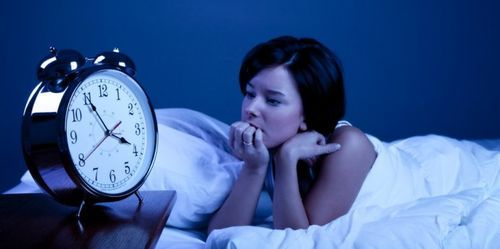 Мэдэхэд илүүдэхгүй: Нойргүйдэлд хүргэдэг 10 шалтгаан