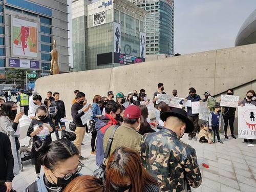 """""""Дахин тэвчихгүй"""" тайван жагсаалд Солонгос дахь Монголчууд нэгдлээ"""