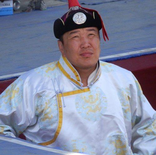 """""""Босоо хөх Монгол"""" ТББ-ын тэргүүнээр МУ-ын харцага Г.Ганхуяг сонгогджээ"""