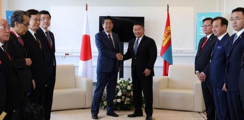 Япон улсын Ерөнхий сайд Шинзо Абэ Монгол улсын ерөнхийлөгч Х.Баттулгад бараалхав