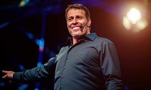 Тони Роббинс: Таны өнгөрсөн болон ирээдүй тань адилхан байж болохгүй