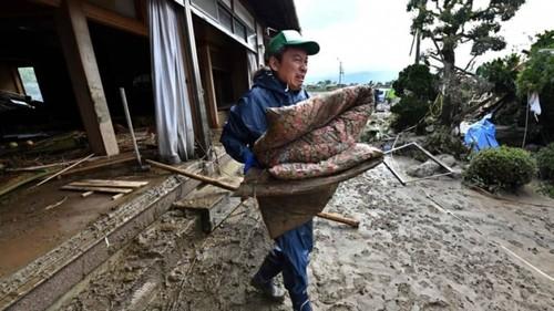 """""""Хагибис"""" хар салхины хор хөнөөл Японы эдийн засагт удаан хугацаанд нөлөөлнө"""