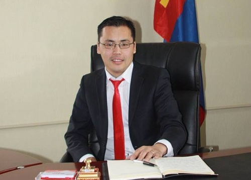 С.Мандахбат: Үндсэн хуулийн 6.2-т орох нэмэлт, өөрчлөлт батлагдвал Монгол уул уурхайн салбаргүй болно
