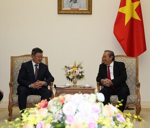 Монгол, БНСВУ-ын Засгийн газар хоорондын хэлэлцээрт гарын үсэг зурлаа