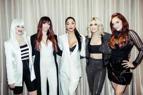 """""""The Pussycat Dolls"""" хамтлаг эргэн нэгдэв"""