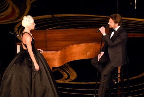 Лэди Гага жүжигчин Брэдли Куперт дурласан уу