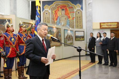 Монгол цэргийн музейг Цэргийн гавьяаны улаан тугийн одонгоор шагналаа