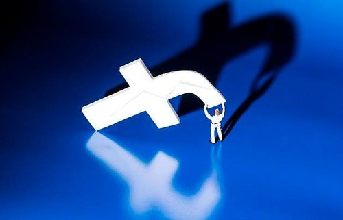 Фэйсбүүкийн ажиллагаа дэлхий даяар доголдоод байна