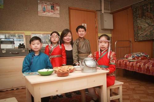 """Хүүхдийн төв номын сан """"Монгол мэдлэгийн танхим""""-тай боллоо"""