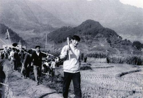 Ши Жиньпин даргын гэрэл зураг вичат хэрэглэгчдийн анхаарлыг ихэд татав