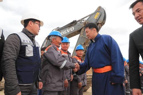 Баруун таван аймгийн хэрэглээг бүрэн хангах цементийн үйлдвэрийн барилгын ажил эхэлж байна