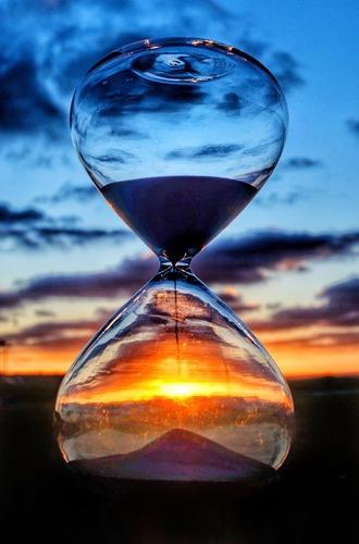 Цаг хугацаа өнгөрдөгөөрөө л өнгөрнө