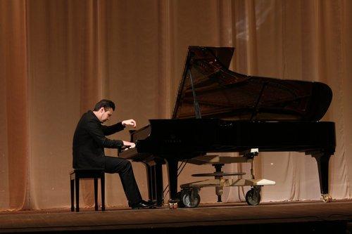 Чайковскийн уралдааны шилдэг концертмейстер