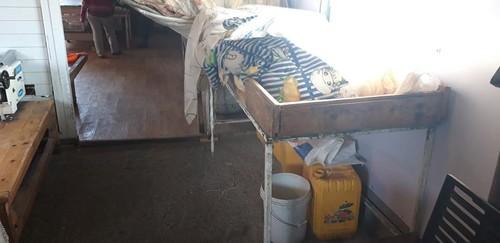 Зөөврийн устай, гар угаах угаалтуургүй барилгад боорцог хийж байжээ
